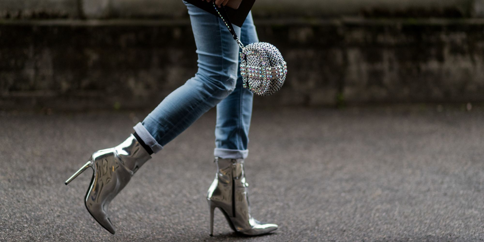 Skinny Jeans, Bell Sleeves And Cross-Body Bags Can Cause ...