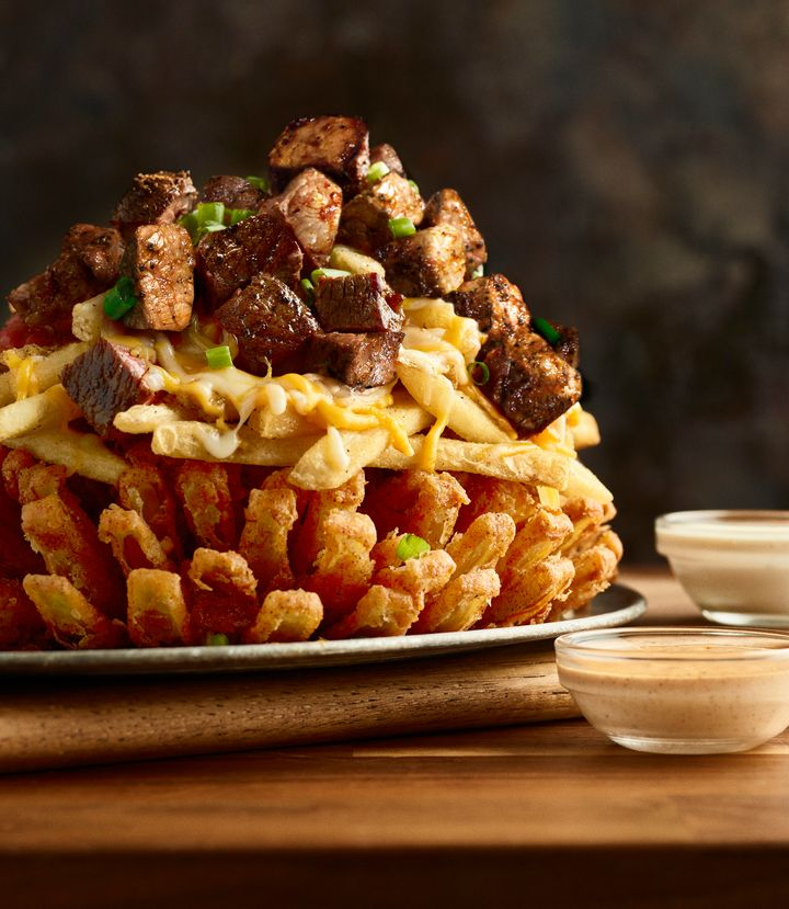 Outback S New Bloomin Onion Has A Truly Terrifying Amount Of Calories Huffpost Life