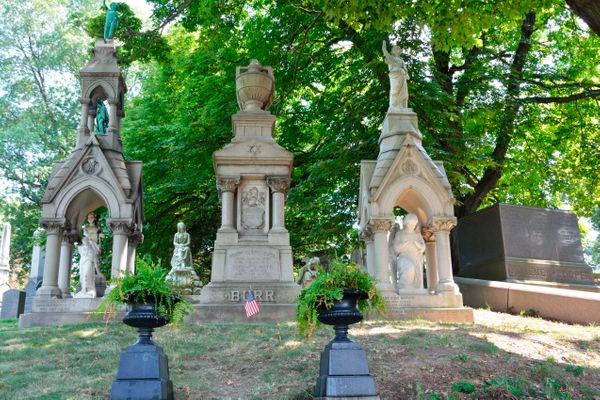 Yes, it's acemetery, but hear us out.<br><br>Green-Wood is a national historylandmark. Some of New York's most pr