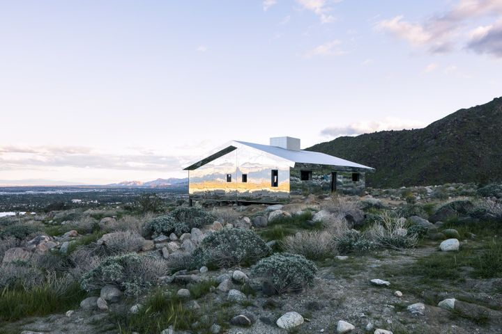 Desert X installation view of Doug Aitken's <em>Mirage,</em> 2017.