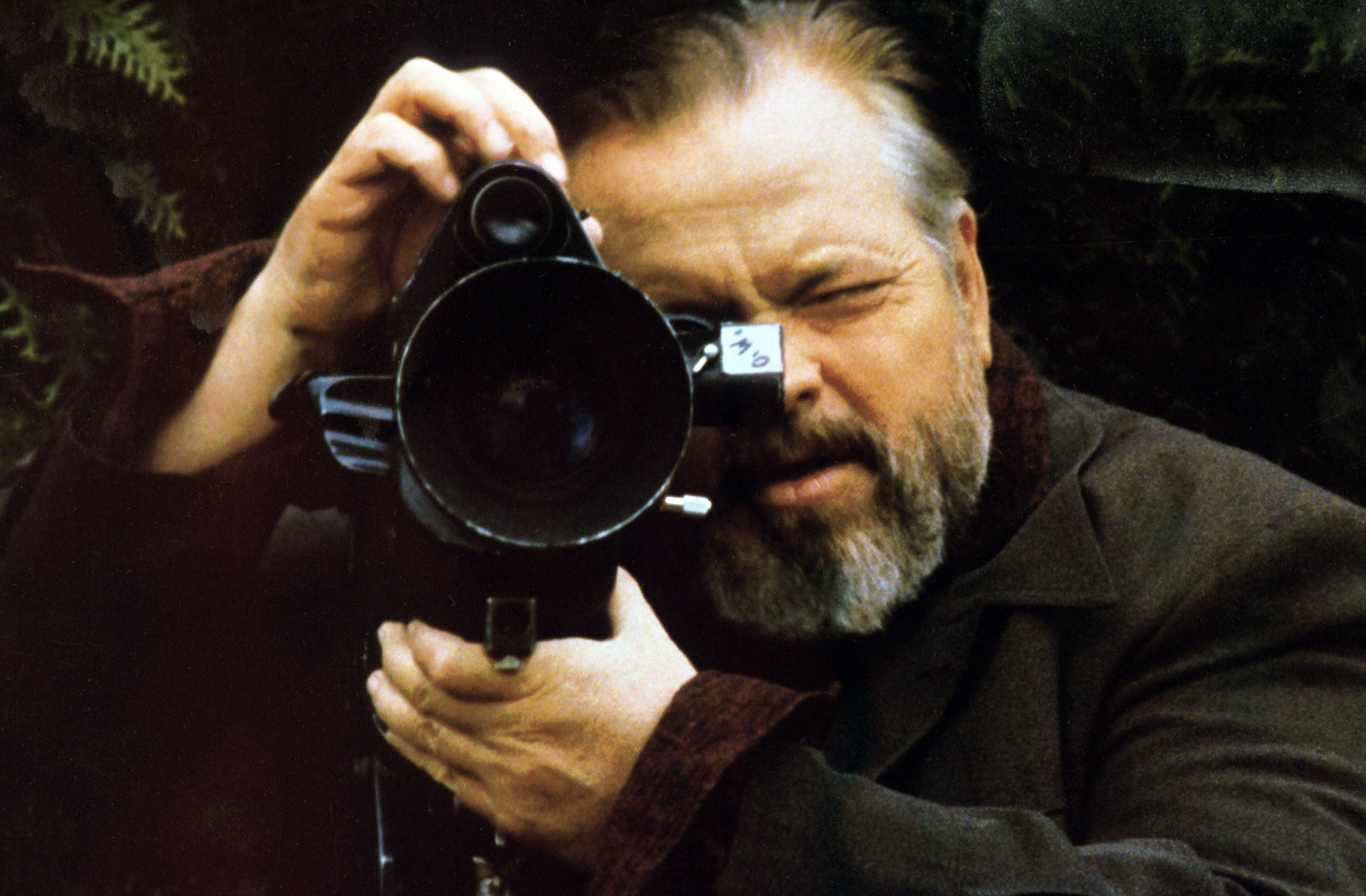 "Orson Welles on the set of ""Verites et mensonges"" in 1973."