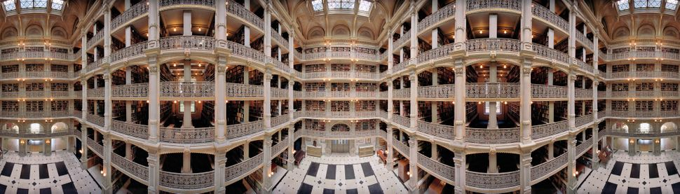 Thomas R. Schiff, George Peabody Library, Baltimore, 2010; from The Library Book (Aperture, 2017)