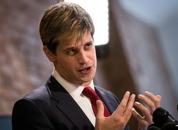 'Alt-Right Troll' Milo Yiannopoulos Calls For Muslim Society Ban At Glasgow Uni