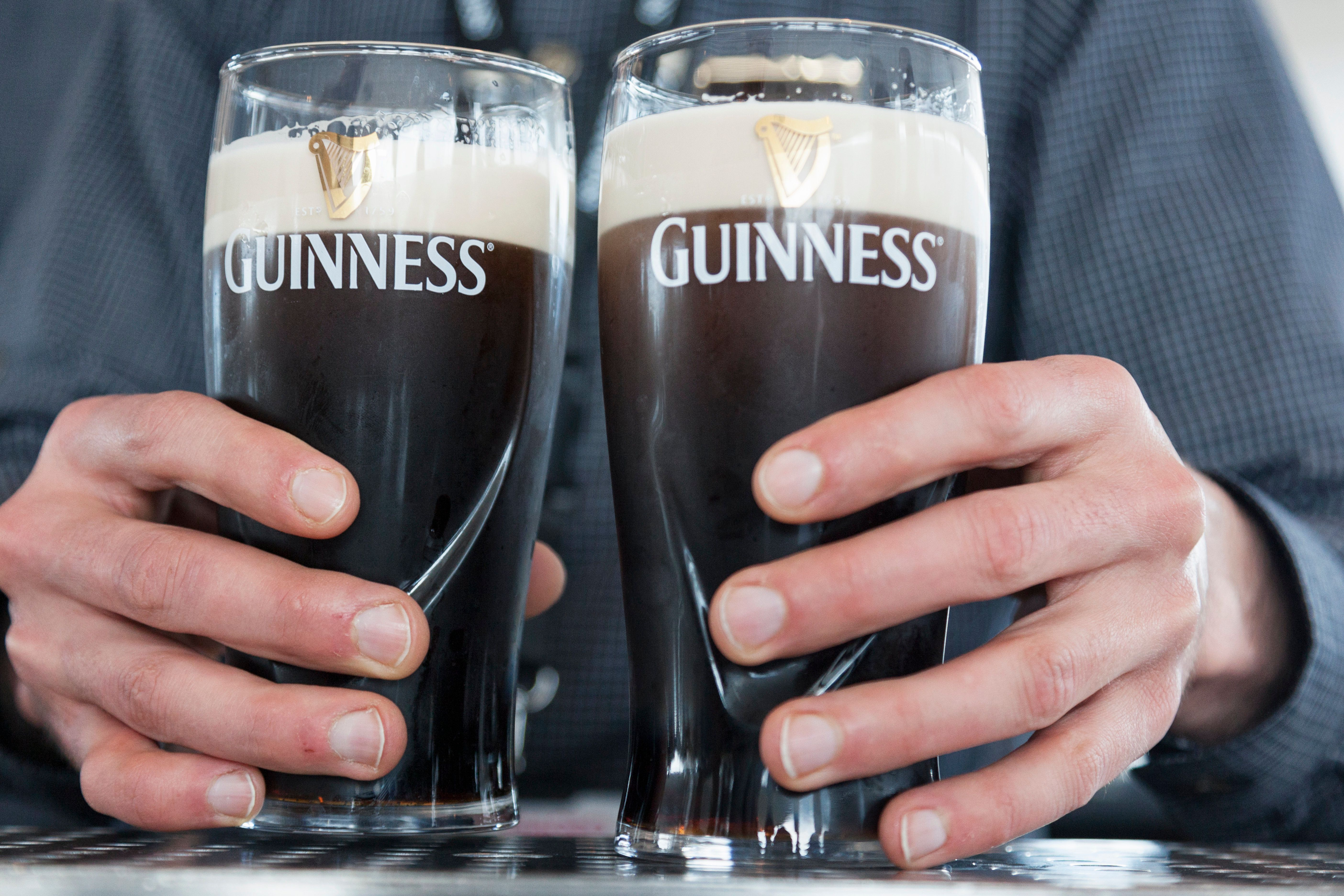 10 Things All English People Do On St Patrick's