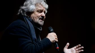 PIAZZA SAN CARLO, TURIN, ITALY - 2016/12/02: Beppe Grillo, founder of the Movimento 5 Stelle (Five Star Movement), speaks during a demonstration to support the 'No' to the constitutional referendum. Italians will be called on December 4 to vote in a referendum proposed by government, on the reform of the Constitution adopted in 1947. (Photo by Nicolò Campo/LightRocket via Getty Images)
