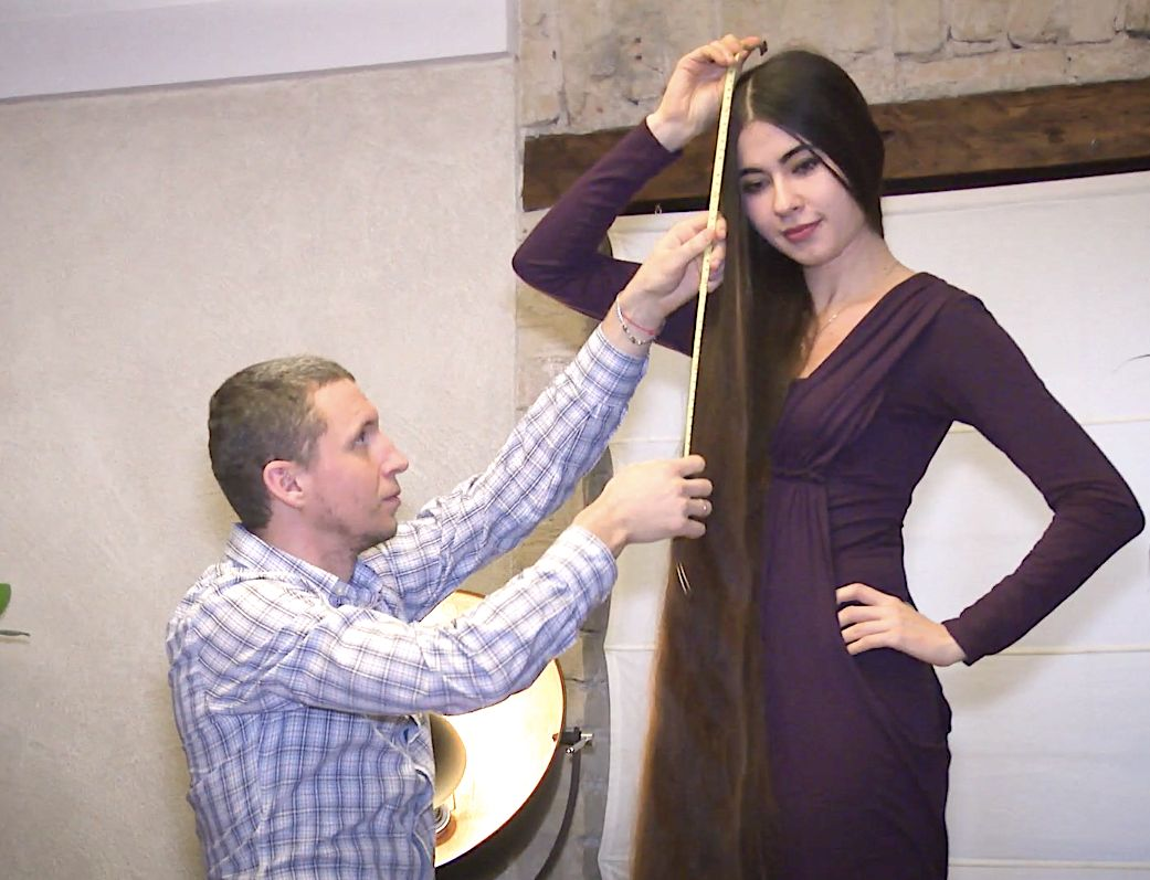 Alia Nasroya of Latvia has 90-inch-long locks
