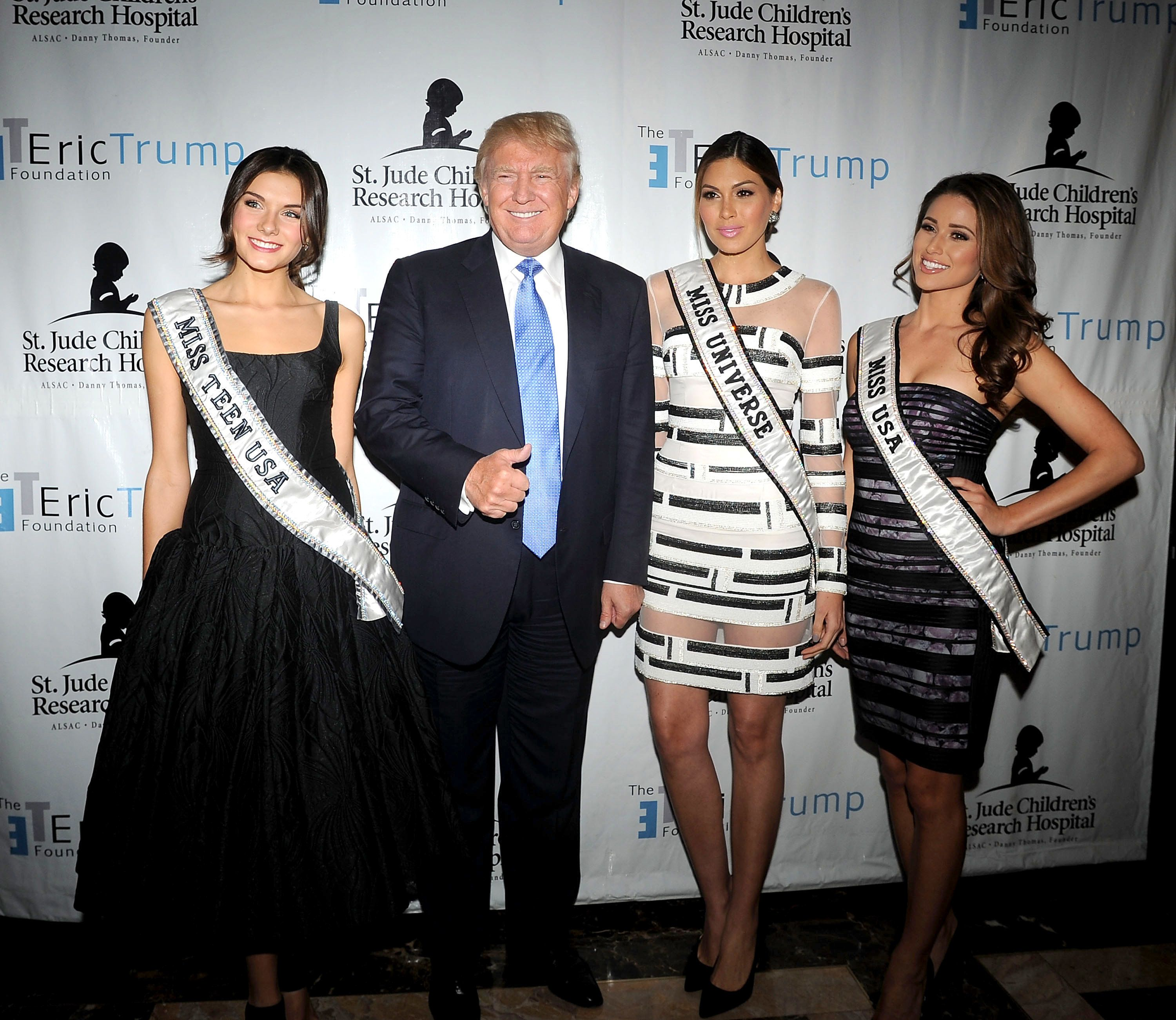 Donald Trump with Miss Universe Gabriela Isler, Miss Teen USA K. Lee Graham and Miss USA Nia Sanchez at Trump National Golf C