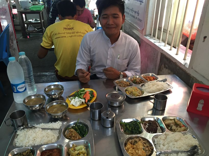 Cheap, DELICIOUS lunch in Mandalay