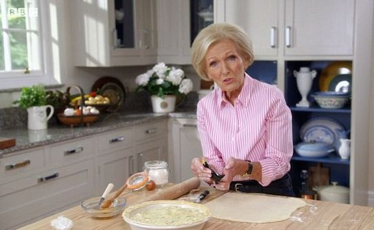 Mary Berry Accused Of 'Betrayal' After Claiming 'Casserole With A Lid' Is Actually A Pie