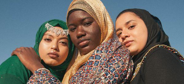 Gorgeous Portraits Capture Sisterhood Among Muslim American Teenagers