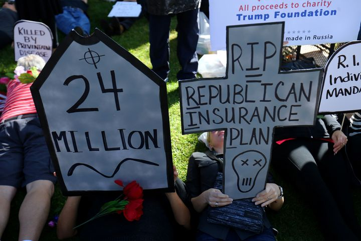 Protesters in favor of keeping the Affordable Care Act in place took to Rep. Darrell Issa's Vista office to urge the congress