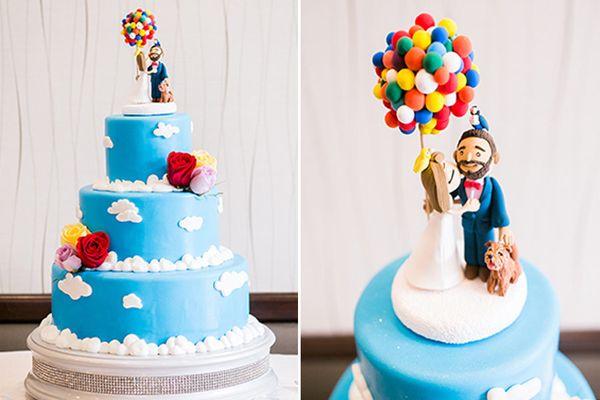 "<i>Cake by <a href=""https://www.disneyweddings.com/florida/wishes/cakes/"" target=""_blank"">Disney Weddings</a></i>"
