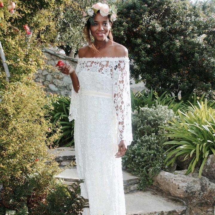 5 Wedding Dresses We Love Under $1,000