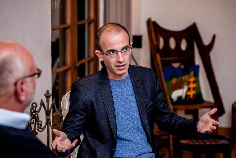 The Berggruen Institute hosted a dinner and talk with the historian and author of Sapiens Yuval Harari LA Feb 28 Jake Fabricius/Berggruen Institute