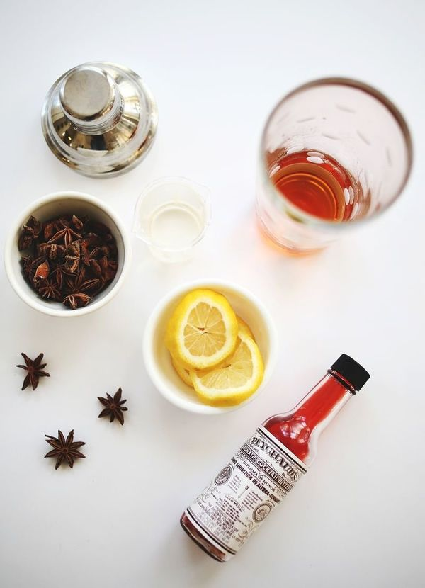 """<strong>Get the <a href=""""http://www.abeautifulmess.com/2013/12/vanilla-bean-whiskey-cocktail.html"""" target=""""_blank"""">Vanilla Be"""