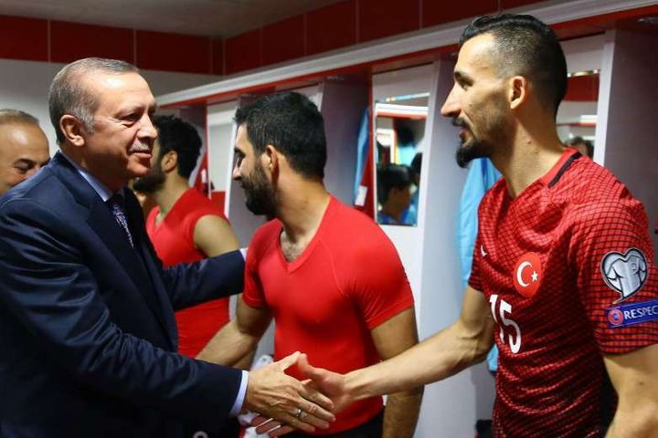 Erdogan congratulates players