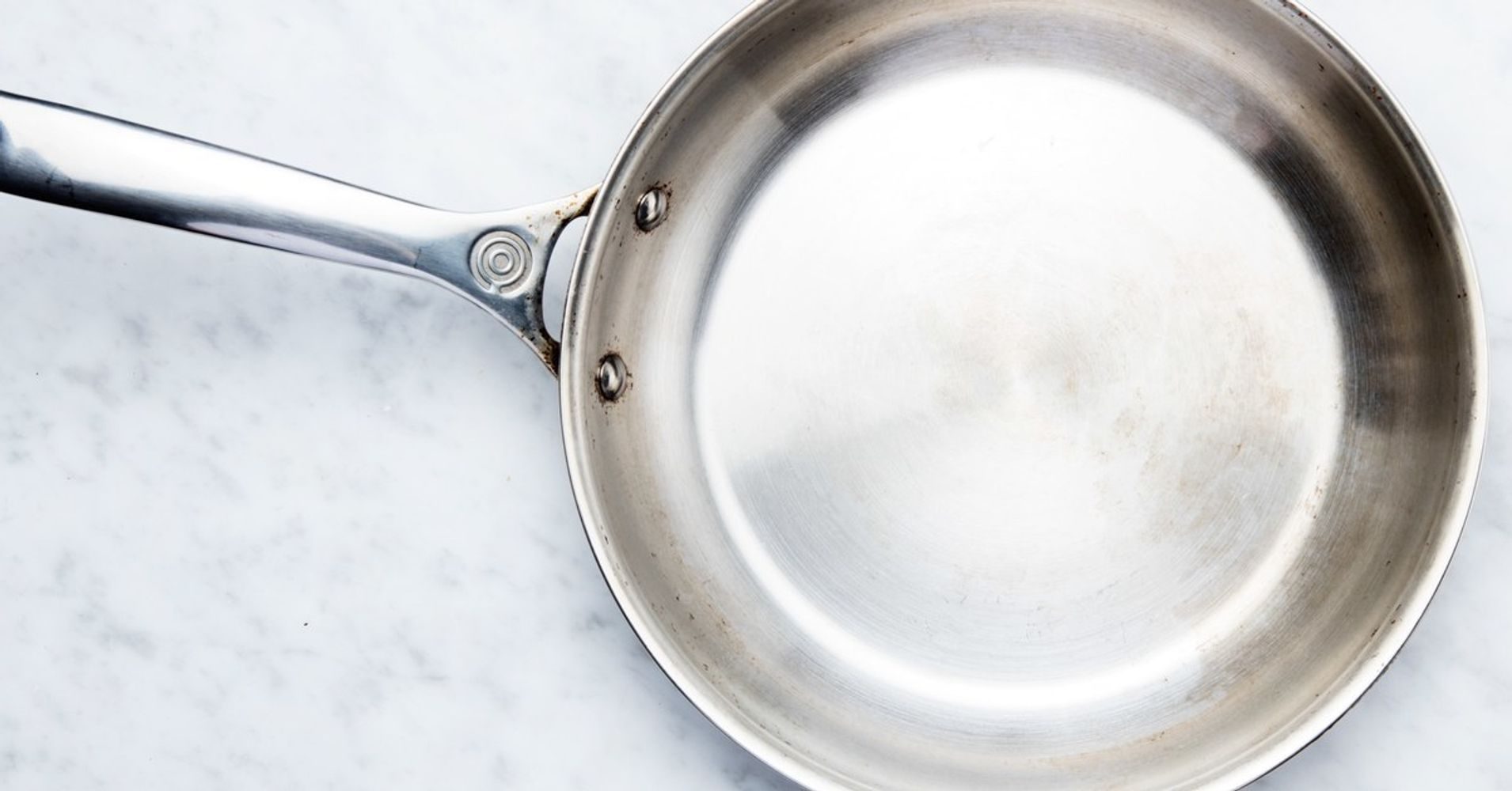 how to turn a stainless steel skillet into a nonstick pan huffpost. Black Bedroom Furniture Sets. Home Design Ideas
