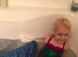 Babysitter Dresses Up As A Mermaid To Make This 3-Year-Old Smile After Hard Time At Home