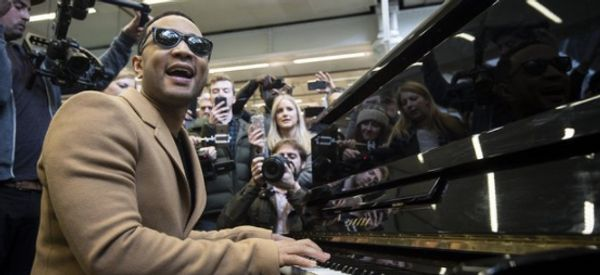 John Legend Takes Over Public Piano For Impromptu Gig At London Train Station