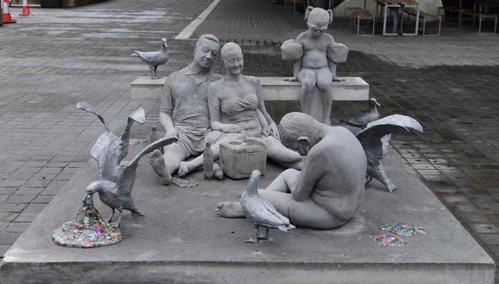 """Jason deCaires Taylor's full """"Plasticide"""" sculpture."""