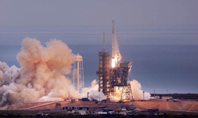 SpaceX Reusable Rocket Completes Second Space Flight and Landing