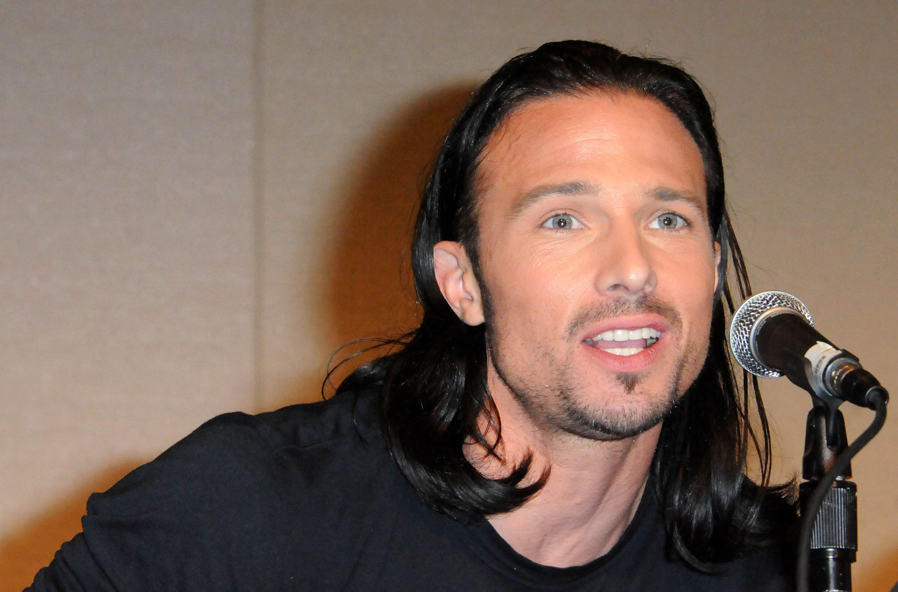 PASADENA, CA - AUGUST 19:  Actor Ricardo Medina Jr.  participates in the 2012 Power Morphicon 3 held at the Pasadena Convention Center on August 19, 2012 in Pasadena, California.  (Photo by Albert L. Ortega/Getty Images)