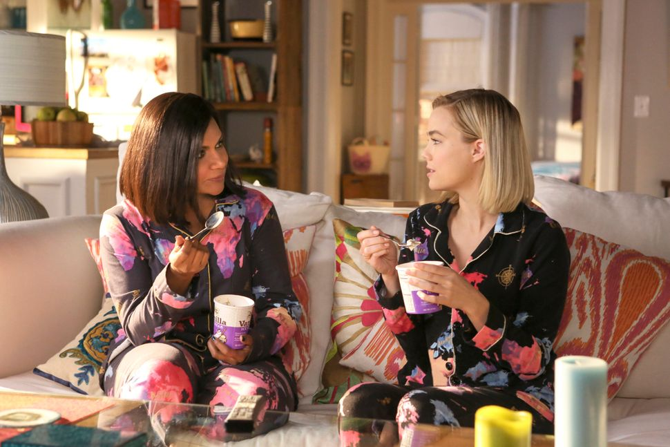 """Mindy Kaling as Mindy Lahiri and Rebecca Rittenhouse as Anna in """"Dibs"""" (Episode 511)."""