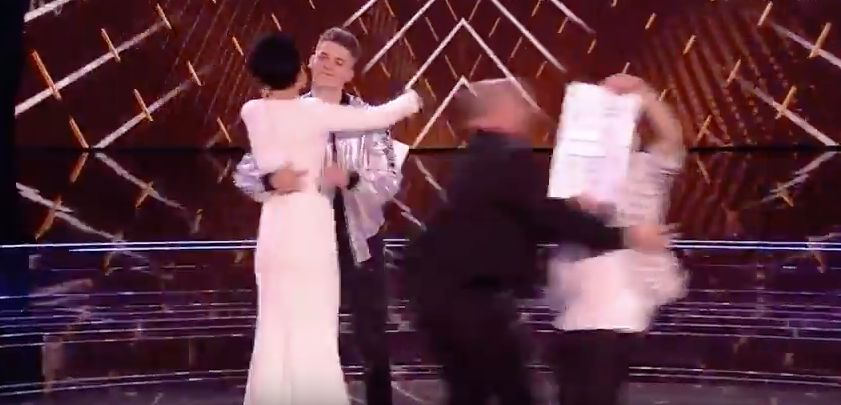Chaos During 'The Voice' As Stage Invader Is Removed By