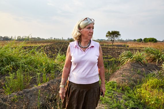 Sustainable agriculture is one of Green Malata's main focusses. Here, Margriet, unhappy with the condition of a particular pa