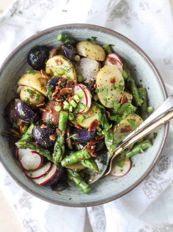 "<strong>Get the <a href=""http://www.howsweeteats.com/2017/03/asparagus-potato-salad-hot-bacon-dressing/"" target=""_blank"">Aspa"