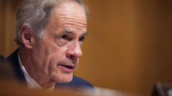 Senate Environment and Public Works Ranking Member Sen. Tom Carper (D-DE) speaks during a Senate Environment and Public Works Committee confirmation hearing to examine Oklahoma Attorney General and President-elect Donald Trump's nominee to head the Environmental Protection Agency (EPA), Scott Pruitt, on Capitol Hill January 18, 2017, in Washington, DC. / AFP / ZACH GIBSON        (Photo credit should read ZACH GIBSON/AFP/Getty Images)