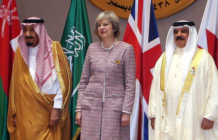 May with Saudi King Salman (L), and King of Bahrain, Hamad bin Issa al-Khalifa