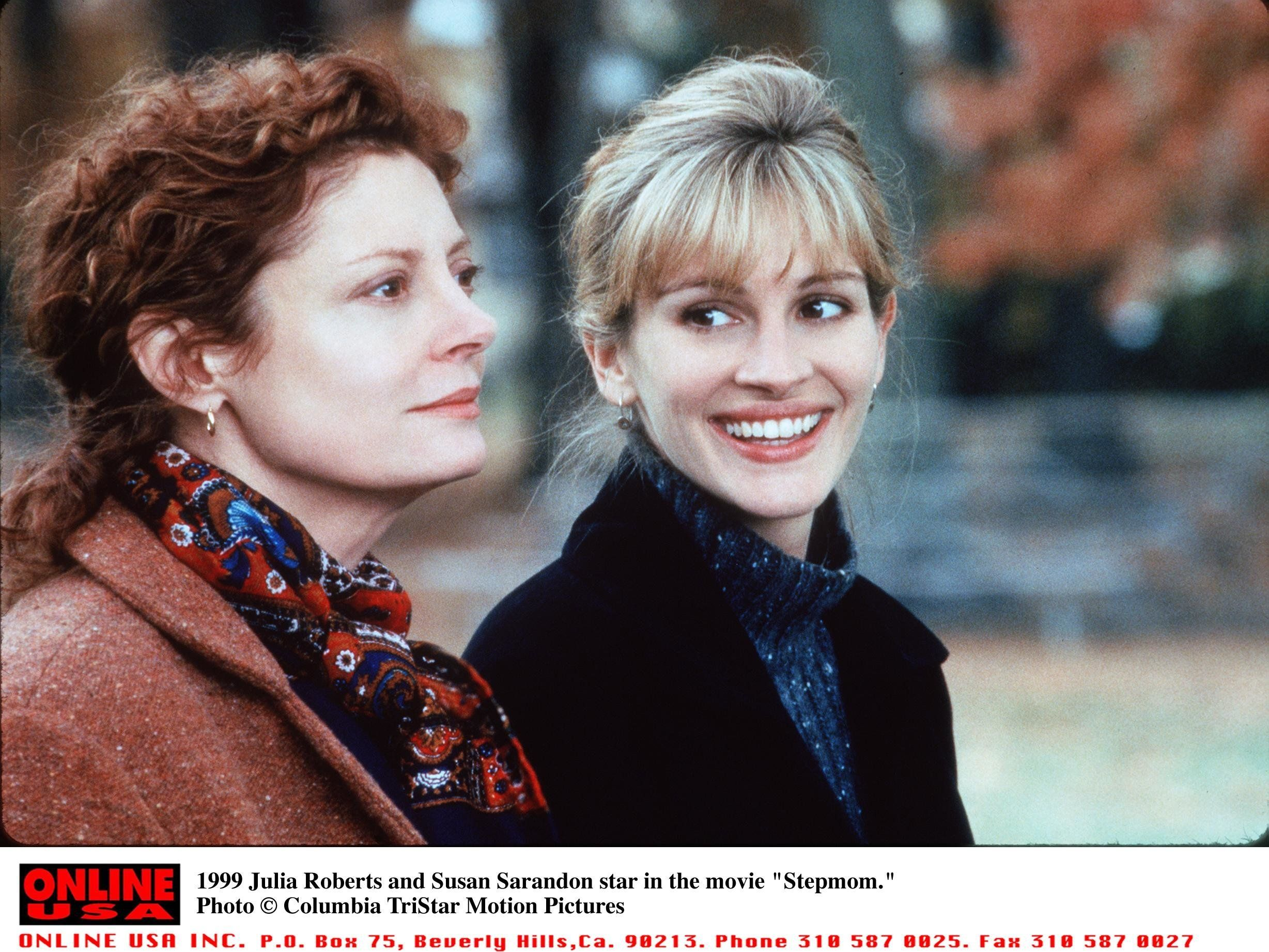 "Julia Roberts And Susan Sarandon in ""Stepmom."""