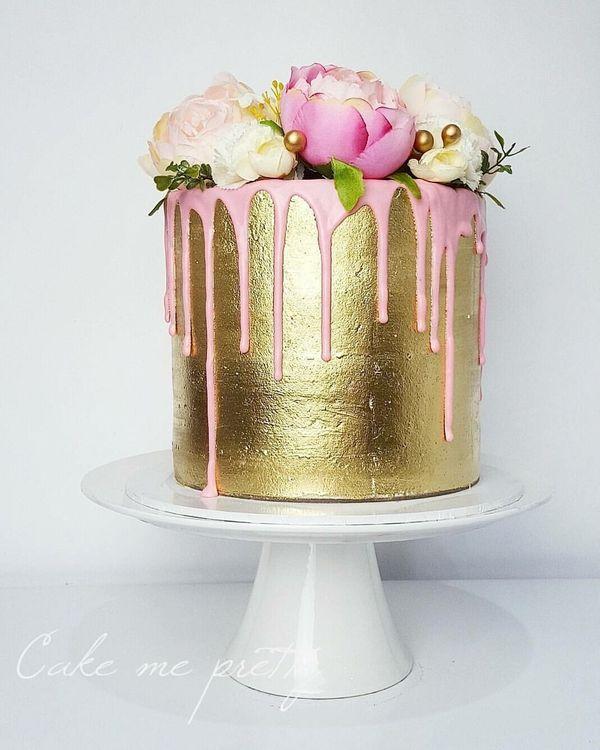 "<i>Cake by:<a href=""https://www.facebook.com/cakemepretty/"" target=""_blank"">Cake Me Pretty</a></i>"