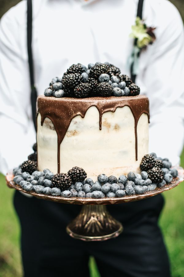 """<i>Cake by:<a href=""""http://www.thesassycupcake.com/"""" target=""""_blank"""">The Sassy Cupcake</a></i>"""