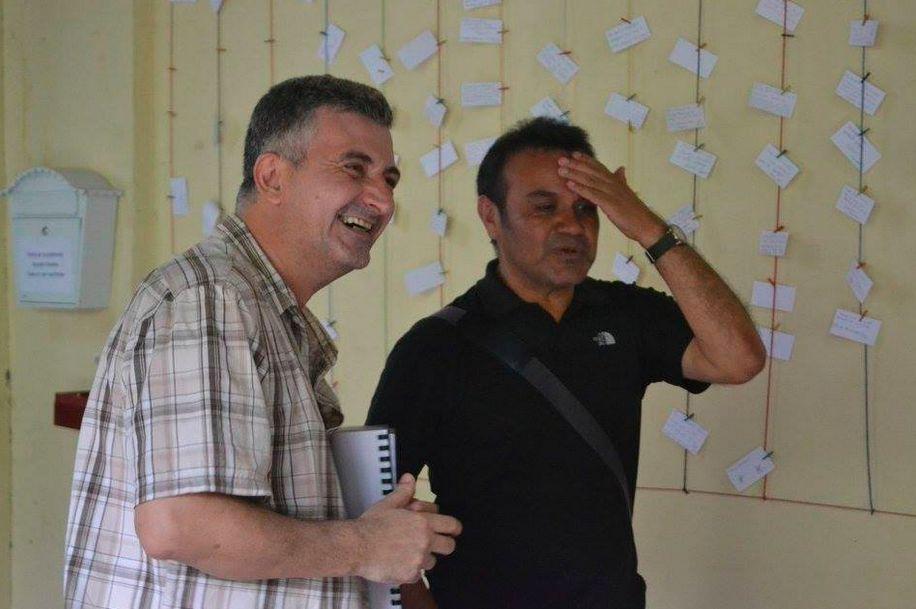 Antonio Prieto Buñuel, left, is the founder ofCafé de las Sonrisas, where all the employees are deaf.