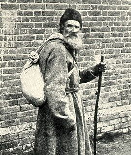 Tolstoy walking from Moscow to Yasnaya Polyana