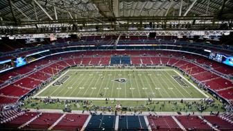 November 21, 2010:   A general view of the inside of the Edward Jones Dome in St. Louis, prior to the start of the game.  The Atlanta Falcons defeated the St. Louis Rams by the score of 34-17 at the Edward Jones Dome in St Louis, MO.
