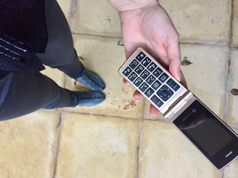 Old school flip phone -designed for 'the elderly' in mind