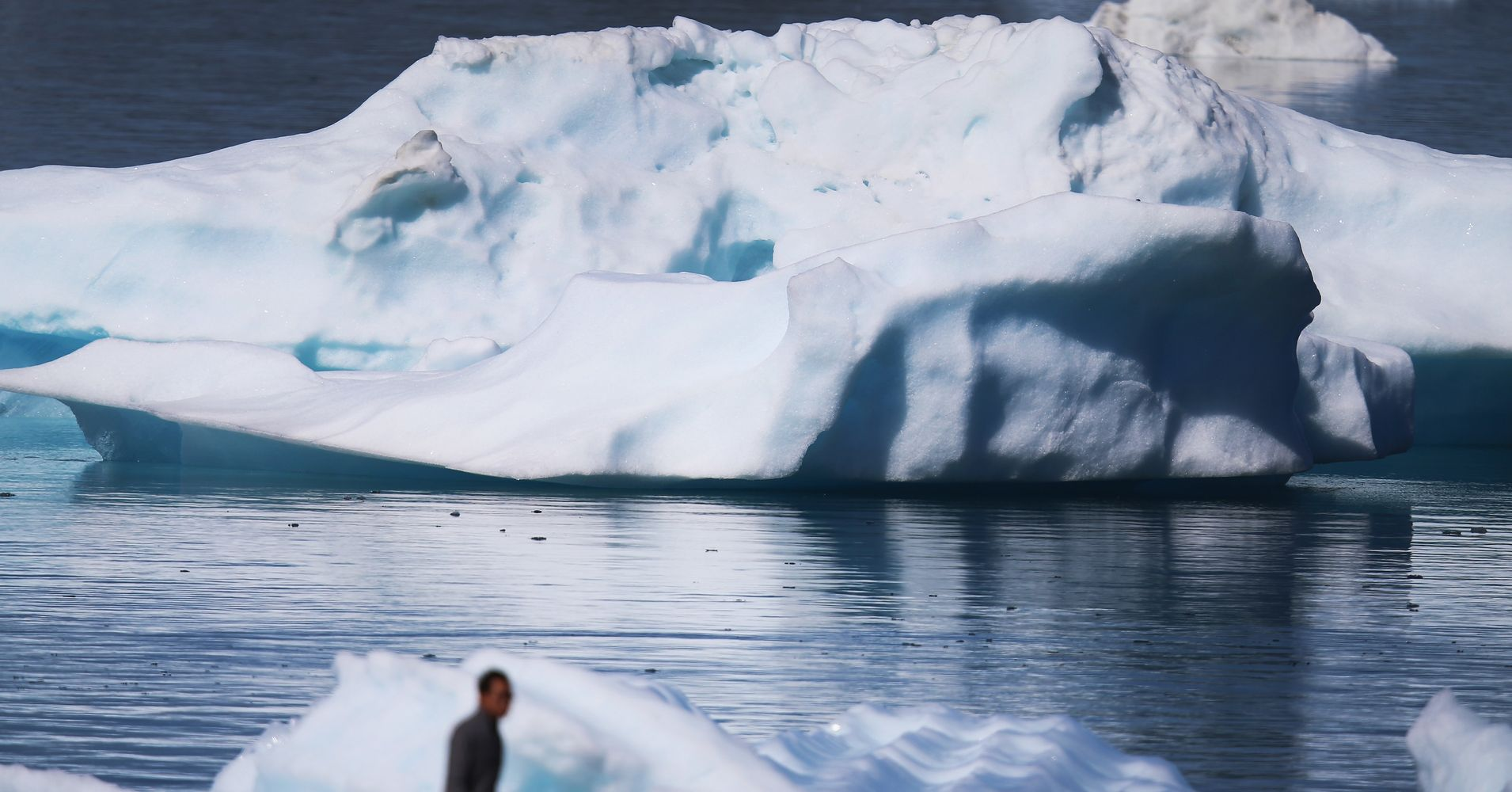 studies show melting of the polar ice caps is caused by global warming Are the polar ice caps really melting because of global warming if the polar ice caps melted,  what caused them to happen,.