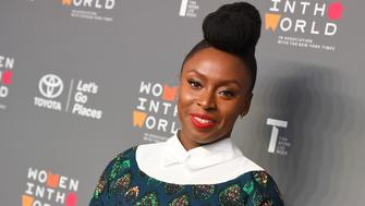 Chimamanda Ngozi Adichie attends the Eighth Annual Women In The World Summit at Lincoln Center for the Performing Arts on April 5, 2017 in New York City. / AFP PHOTO / ANGELA WEISS        (Photo credit should read ANGELA WEISS/AFP/Getty Images)
