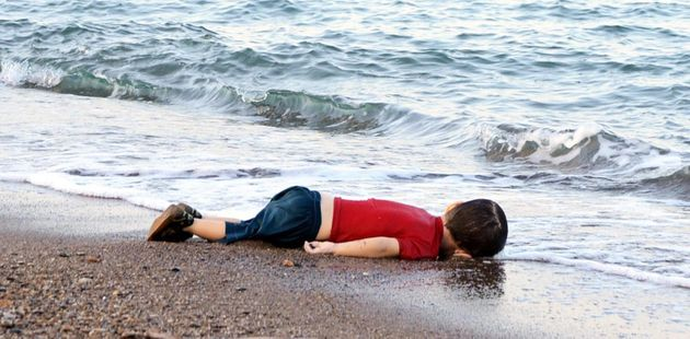 This photo of a refugee child's dead body ignited a worldwide debate about refugee
