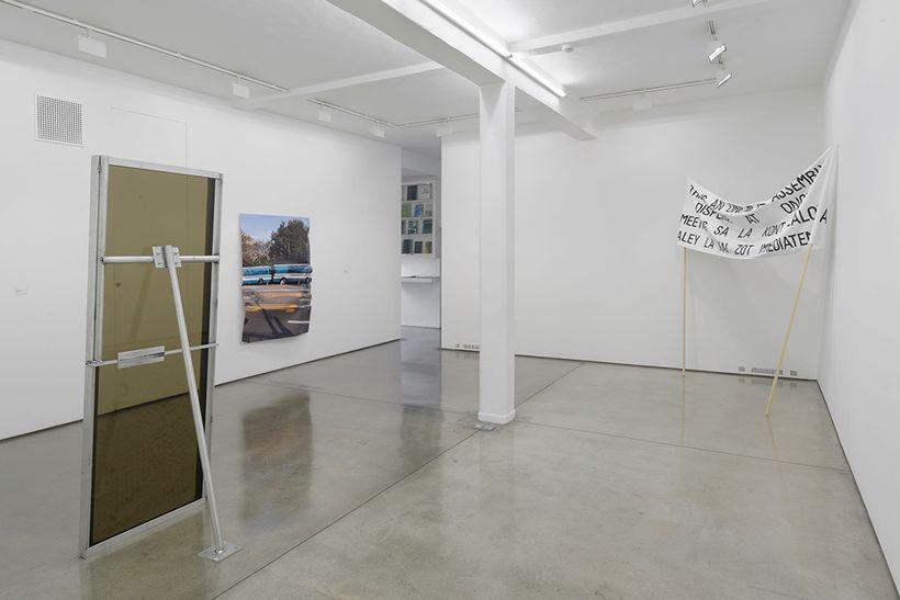 Gardar Eide Einarsson and Oscar Tuazon exhibition view, Maureen Paley, London, 2017. Courtesy Maureen Paley, London.
