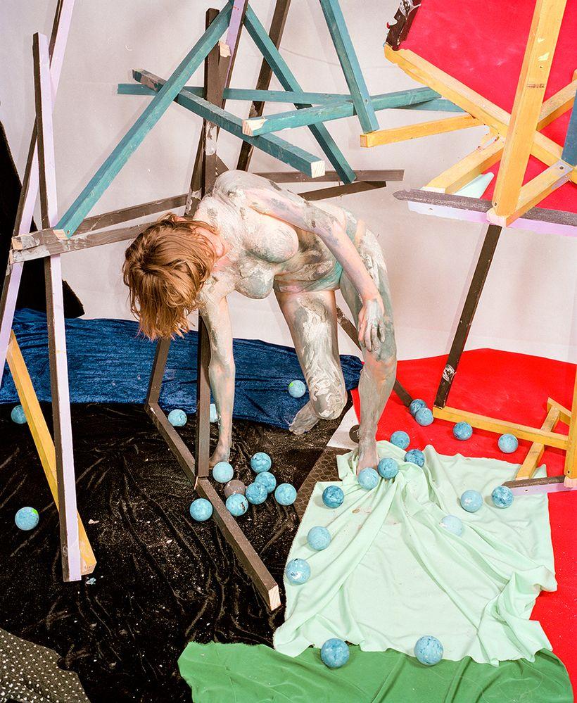 Nico Krijno, <em>Sculpture Figure Study (Mignonne)</em>, 2016, inkjet print on cotton photo rag, 33 x 27 inches. © Nico Krijn