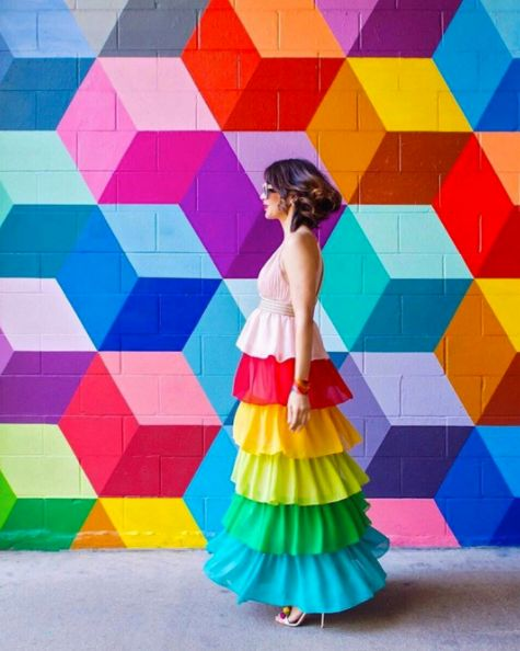 This Woman Matches Her Outfits To Art And It's Giving Us Instagram