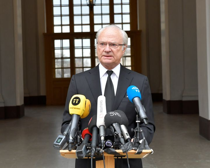 Swedish King Carl Gustaf makes a short statement in Stockholm, April 8, 2017, after he was briefed about the terrorist attack