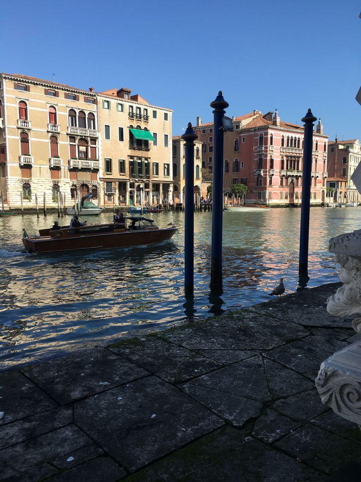 The café at Ca'Pesaro is open to the canal, and it's neither expensive nor crowded