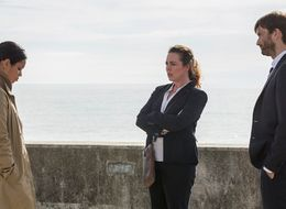7 Burning Questions We Need Answered In Tonight's 'Broadchurch' Penultimate Episode