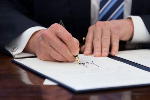"With few legislative accomplishments under his belt, President <a href=""https://www.huffpost.com/topic/donald-trump"">Donald T"