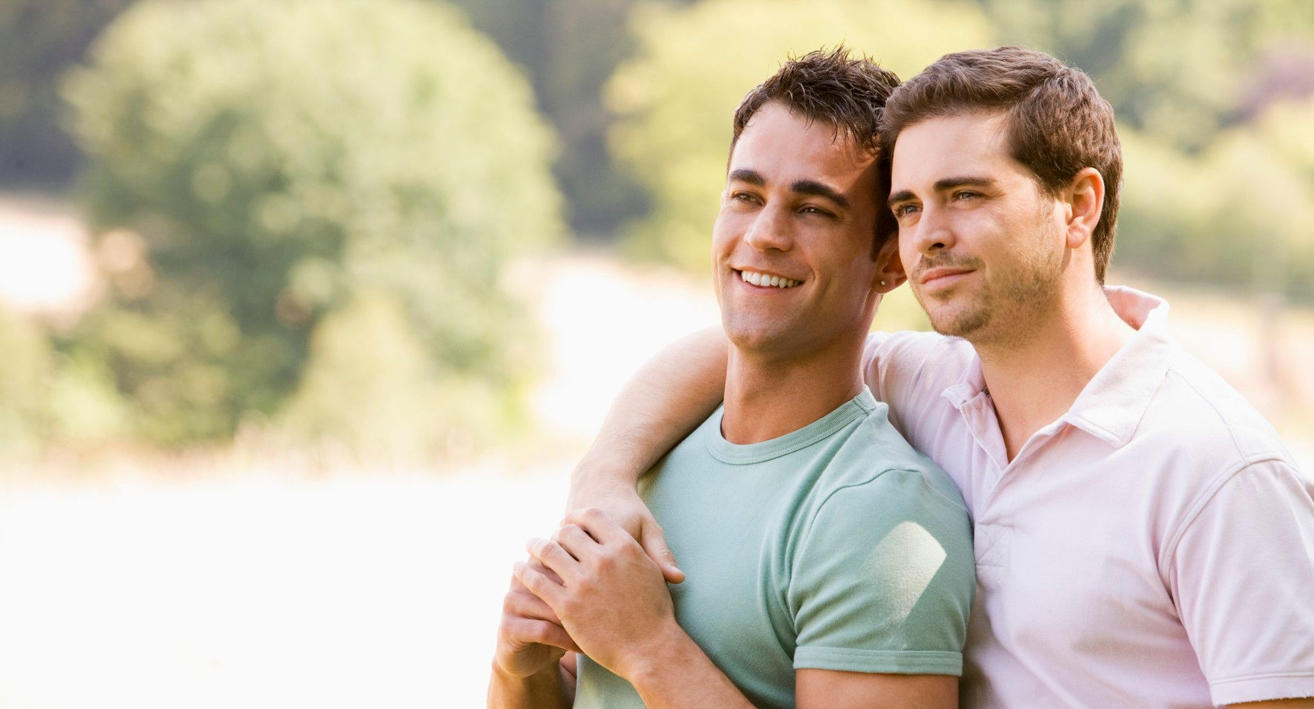 Straight guys play gay games